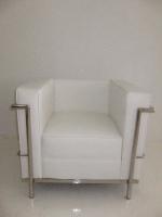 le-corbusier-1-seater-white